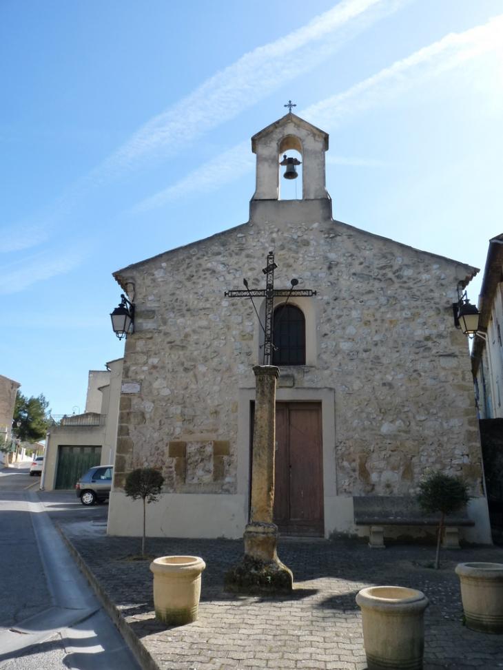 Photo saint cannat 13760 chapelle st cannat saint for Astral piscine st cannat
