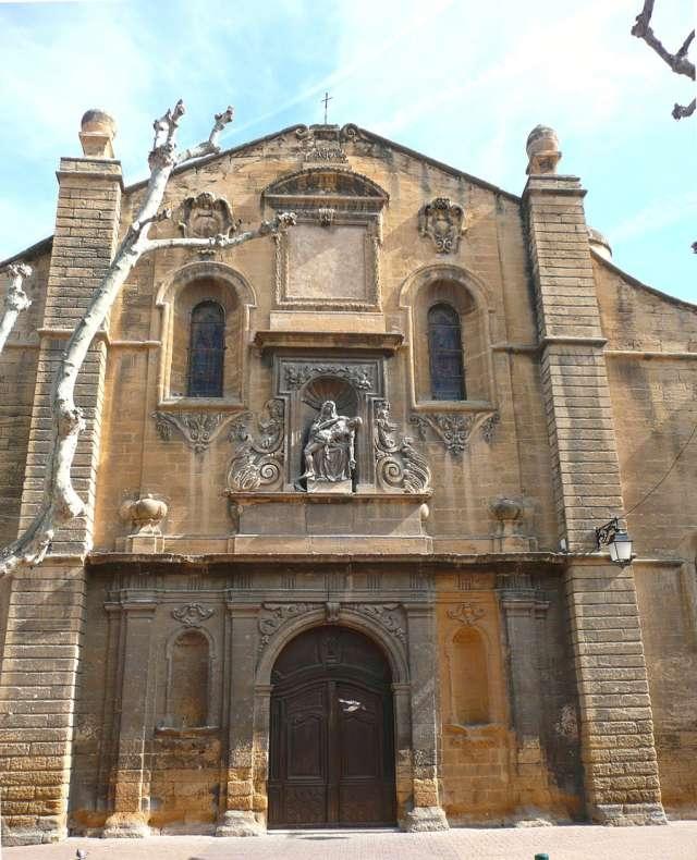 Façade de l'églises Saint-Léger - Saint-Chamas