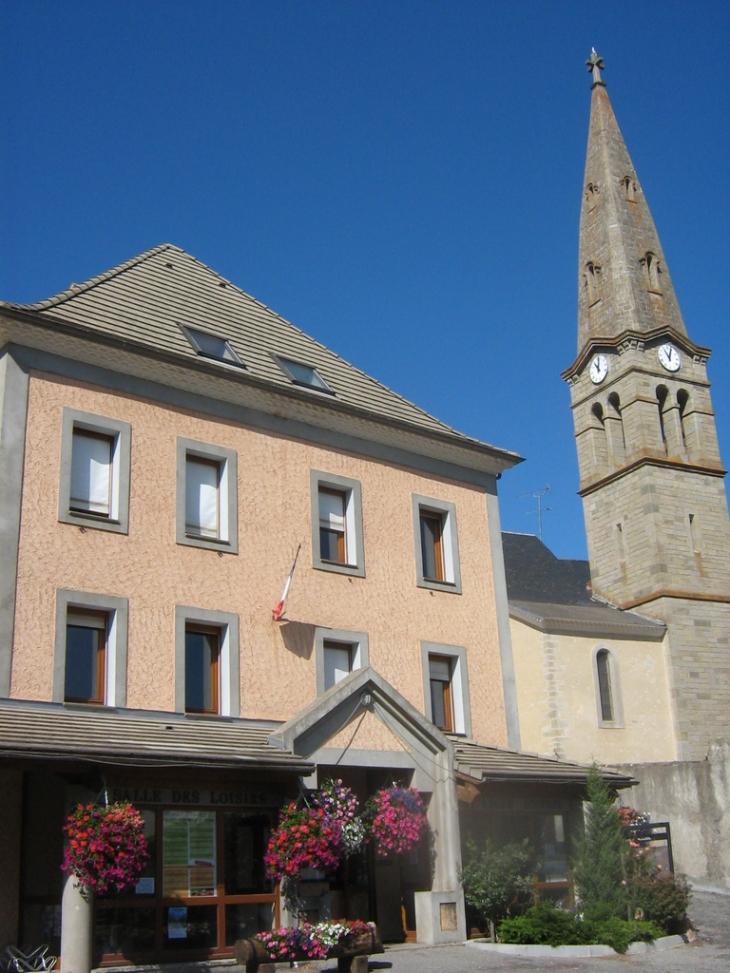 Mairie bureau du tourisme et l 39 eglise - Office du tourisme st leger les melezes ...