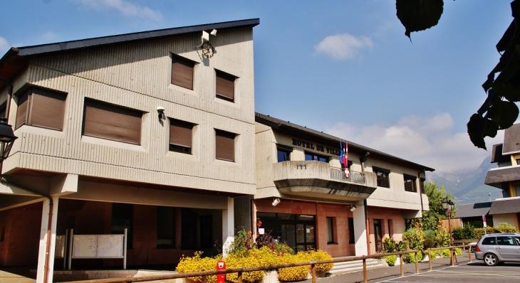 Photo la ravoire 73490 hotel de ville la ravoire for Hotel design rhone alpes