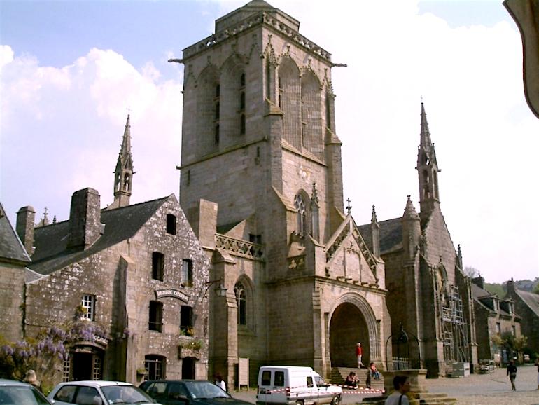Locronan-Eglise-St-Ronan